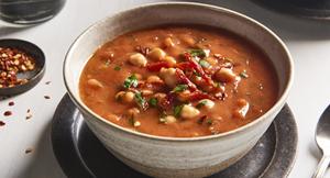 Supă picantă de roșii cu năut