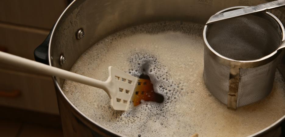Cum să îți fabrici propria berea